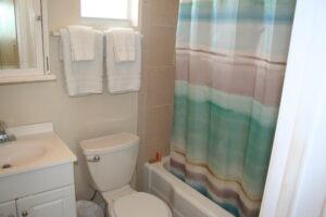 BeachBar2_Bathroom1